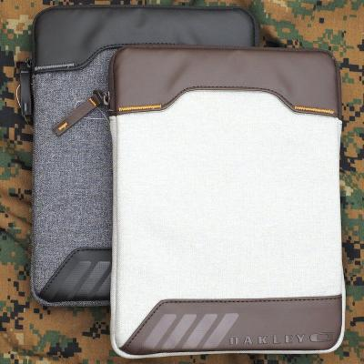【OAKLEY】Halifax iPad Case [2色]